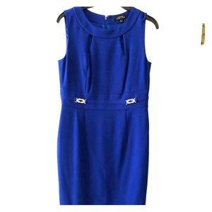 Tahari A line sleeveless dress